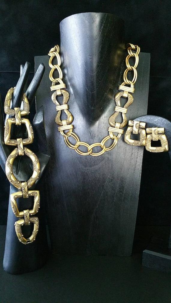 Signed MONET Long Dangle Earrings Rhinestones 2 14 in Vintage Jewelry