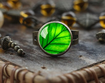 Green leaf ring, leaf ring, green ring, nature Jewelry, glass dome ring, Adjustable Ring