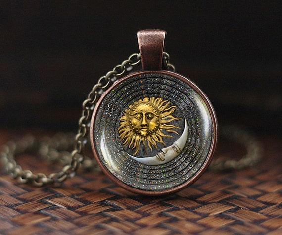Soleil et Lune pendentif style Antique médiéval soleil   Etsy 47eaac41f7f8