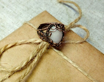 Handcrafted wire wrapped ring with rose quartz Wire wrap ring Handmade ring Copper jewelry Rose quartz ring Gemstone ring OOAK jewelry