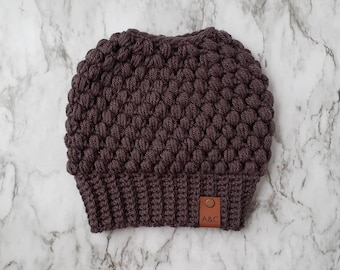 Made To Order:Crochet Messy Bun Hat,Claire Bun Beanie,Messy Bun Beanie,Mom Bun Hat,Top Knot Beanie,Ponytail Beanie,Alex & Co Handmade