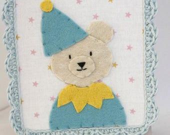 Bear clown in felt and crochet setting