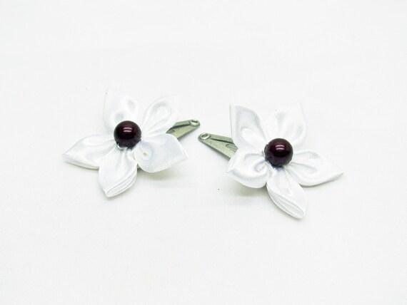 Accessoire mariage homme. 1 boutonnière fleur blanche n°2