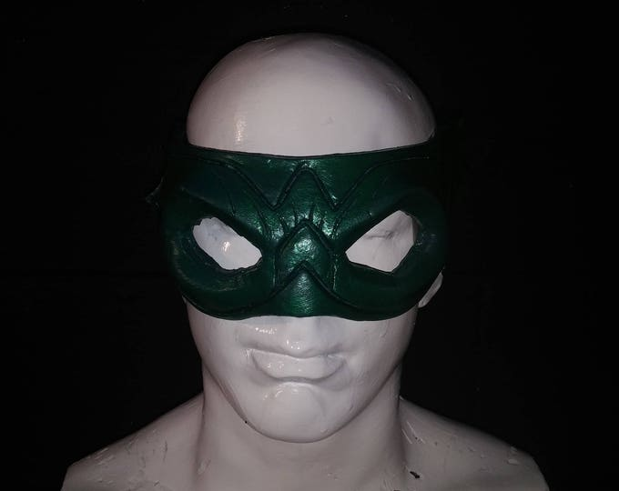 Green Arrow Latex Face-Mask
