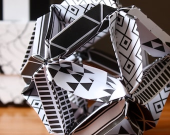 ORIGAMI#01 - Origami ball - Black and white geometric patterns