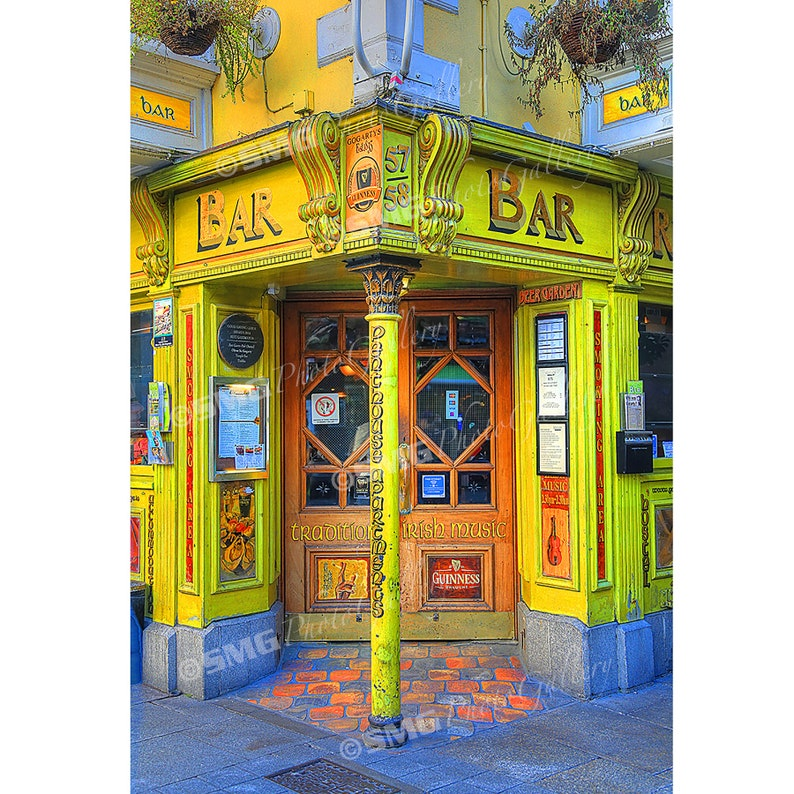 Irish Pub Dublin Ireland Street Scene Famous Bar Home image 0