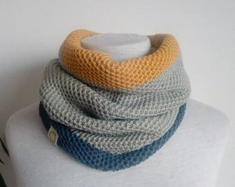 Neck ONE 100% merino wool machine-woven and hand-finished. Single piece.