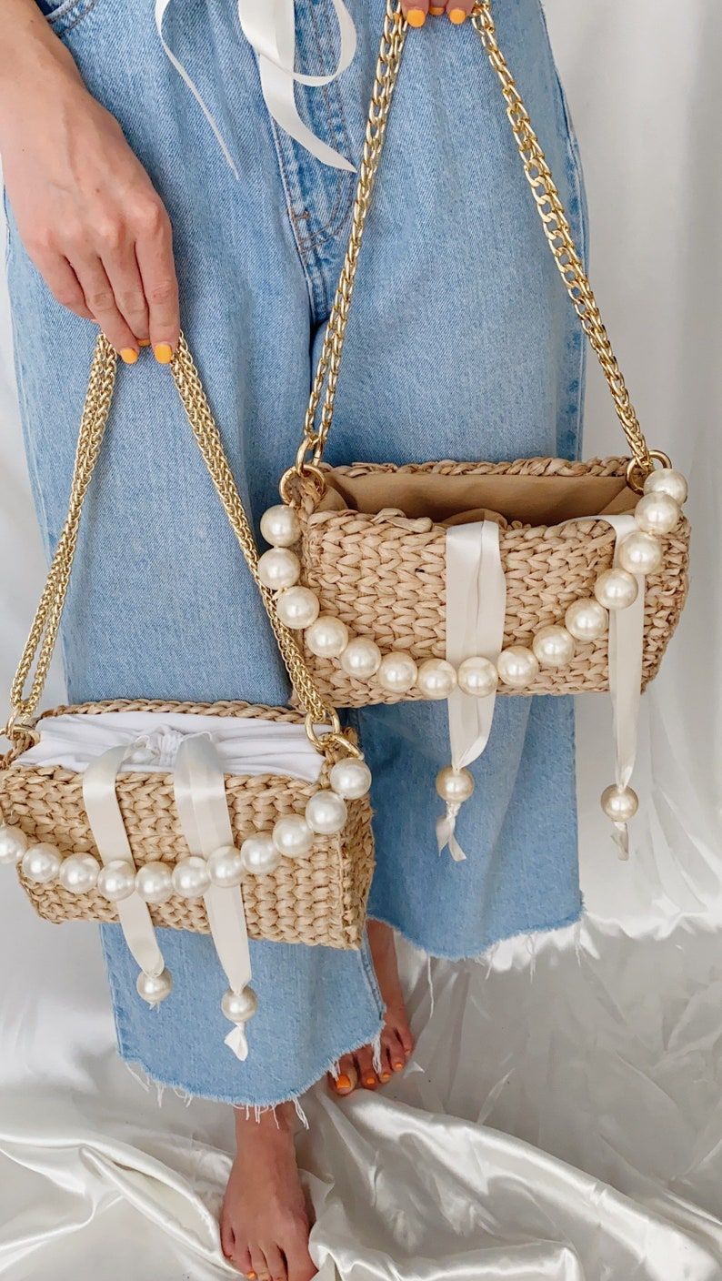 90e Baguette Bag Summer Straw Handbag Pearl Beads Handle Bag image 0