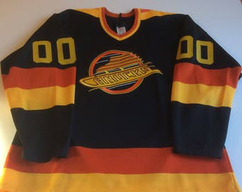 Vancouver Canucks Hockey Jersey L NHL CCM 1989 Away Game Fan Maska USA  Ultrafil 51478fbfa