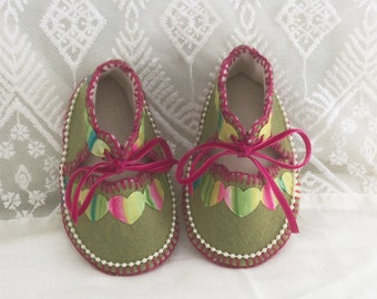 Mossy Green with Hearts Pure Wool Felt Baby Shoes. Fully Lined. Gift Boxed. 0-3 months OOAK