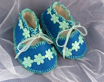Forget-me-not Pure Wool Felt Baby Shoes. Fully Lined. Gift Boxed. 0-3 months OOAK