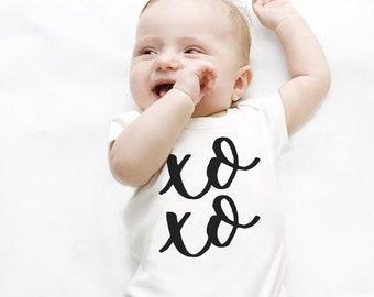 XO Doughnut Valentine/'s Day Baby Onesie\u00ae |Toddler T-Shirt Bib | XOXO Valentine/'s Day Doughnut Donut Bib Valentine/'s Day XO Onesie
