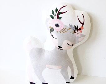 Deer, Kids Pillow, Deer Pillow, Nursery Pillow, Girl Pillow, Girl Room, Baby Girl Nursery, Woodland, Woodland Nursery, Gift, Girl Gift, Baby