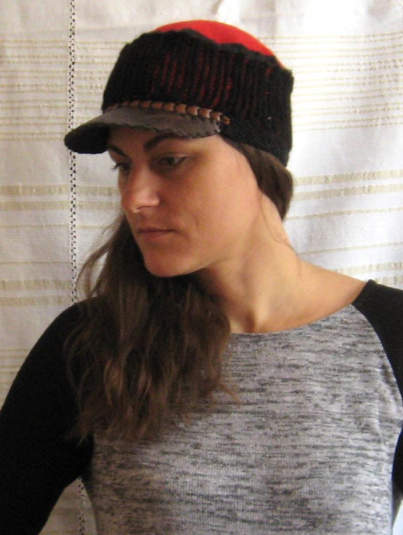 a2813f04f9d70 Chapeau dhiver avec visière à la main chapeau au crochet | Etsy