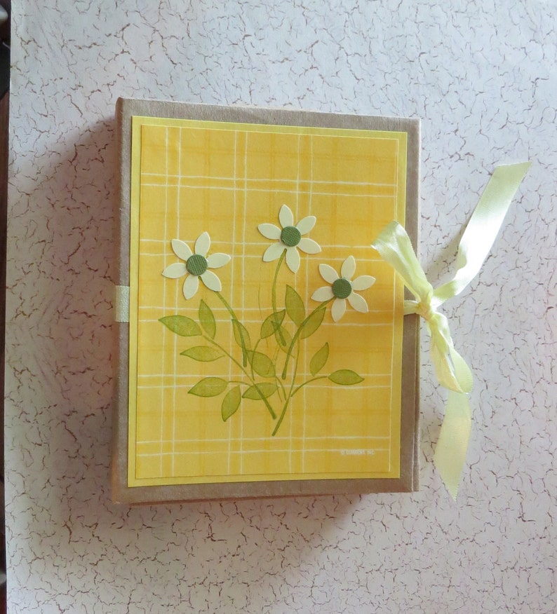 2 Friendship Refillable Card Holder Yellow 8 Cards 2 Birthday Thank You Greeting Cards Thanks for being You and More all Blank Inside