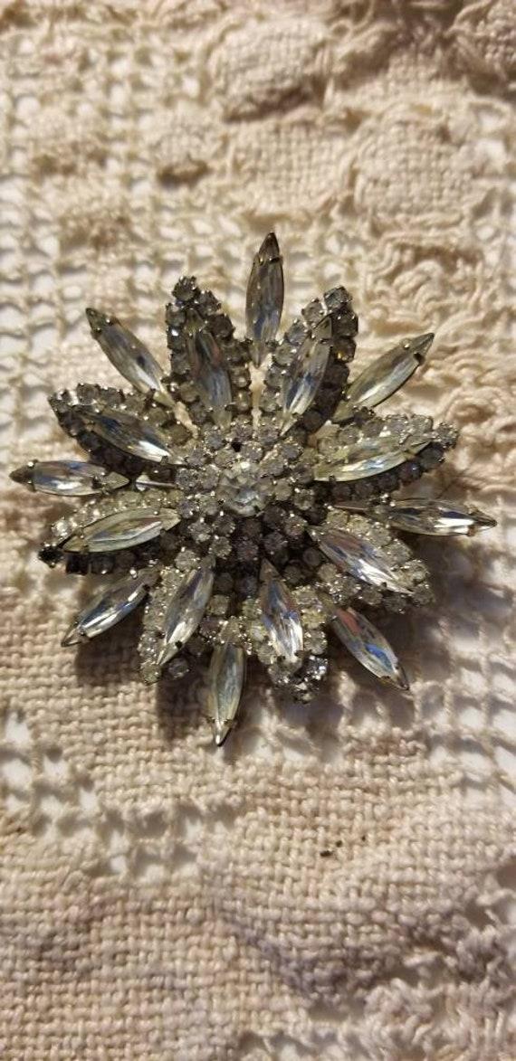 Goegeous vintage crystal brooch, vintage brooch, c