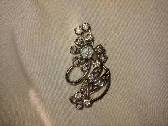 Vintage rhinestone pin/brooch, vintage rhinestone