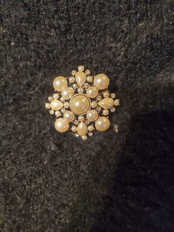 Vintage Monet brooch,vintage Monet pin, vintage b… - image 2