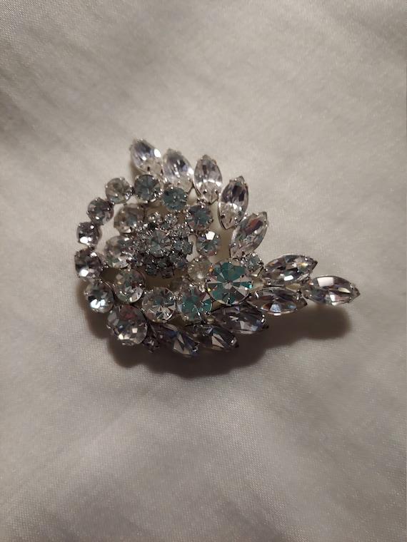 Vintage rhinestone pin brooch, vintage brooch, vin
