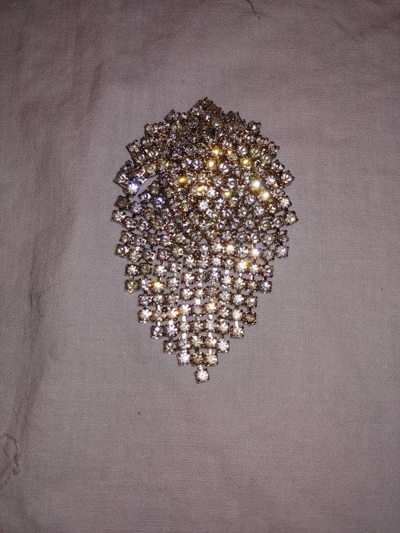 Stunning vintage brooch, vintage pain, vintage Cry