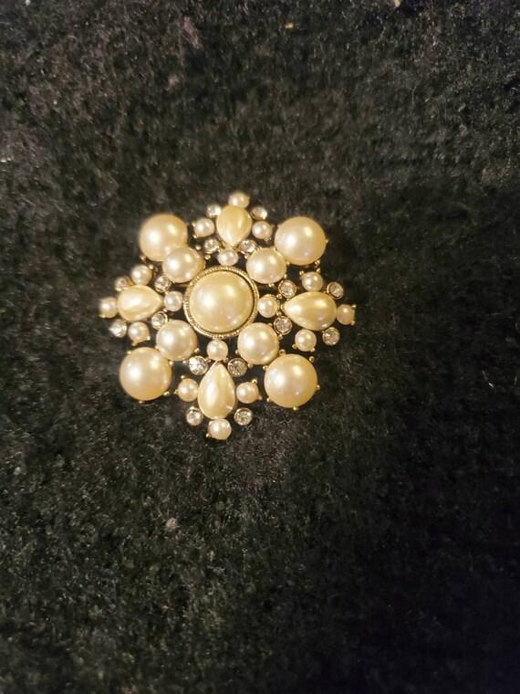Vintage Monet brooch,vintage Monet pin, vintage b… - image 1