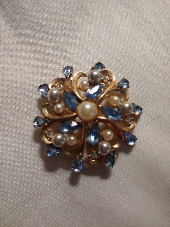 Vintage brooch/pin, vintagebrooch, vintage pin - image 1