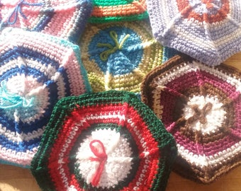 Vintage Knitted Pot Holders Double Thick Hot Pads Table Mats Multi Color