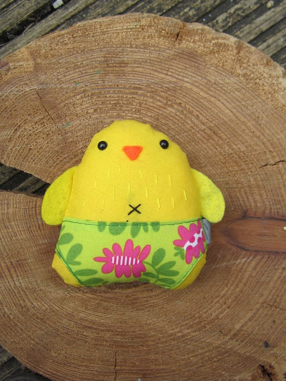 Small soft linen hand made hand embroidered chick - Barbara
