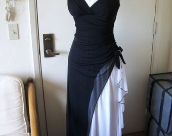50a5535208 Stunning Vintage 1980 s Blondie Nites Black   White Gown. Sleek And Sexy  Retro Glam Gown. Stretchy Size 5.