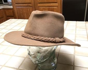 f6c08335718 VTG Genuine Leather Tan Suede Australia Outback Western Cowboy Hat.  Minnetonka Has Braided Matching Band. Sz L Unisex.