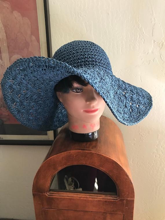 VTG Big Wide Brim Blue Crocheted  Floppy Straw Sun