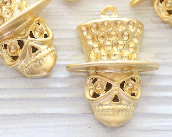 Skull pendant gold, Halloween pendant, skull charm, skeleton pendant, gold skull pendant with hat, skull jewelry findings, Halloween jewelry