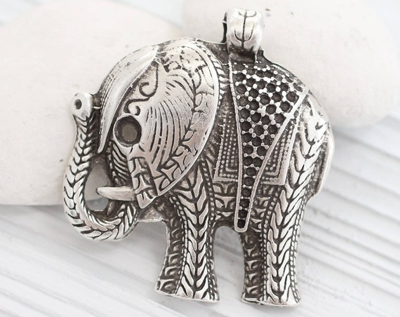 Large elephant pendant, silver elephant, animal pendant, elephant, natural findings, silver elephant necklace pendant, antigue silver