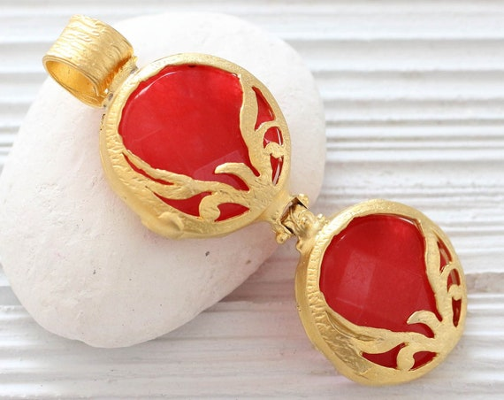 Gold bezel red jade gemstone pendant, filigree large jade pendant, red round gemstone pendant, ornate pendant, gold bezel, crimson