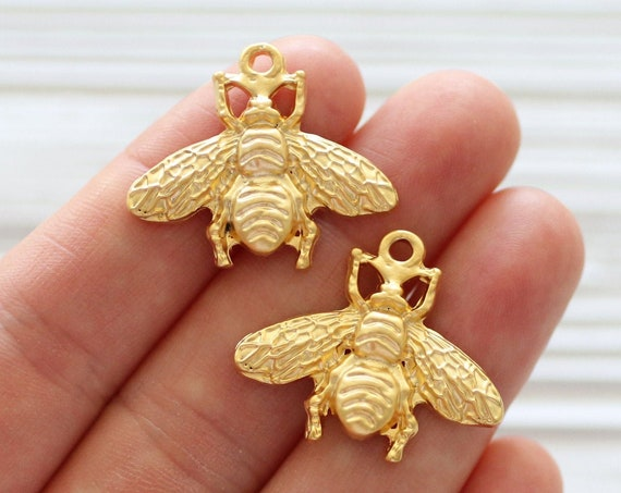 2pc bee pendant, bee charm gold, flower fly charm, earrings charms, flower fly pendant, animal charms, charms for necklaces, necklace charm