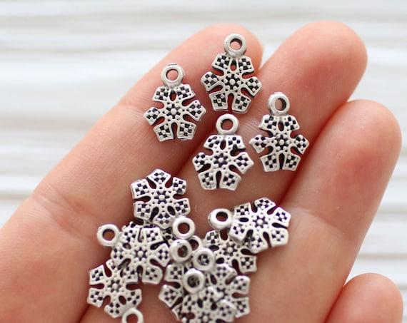 10pc snowflake dangle charms, snowflakes, silver snow flakes, earrings charms, snowflake dangle pendant, snowflakes, Christmas snow charm