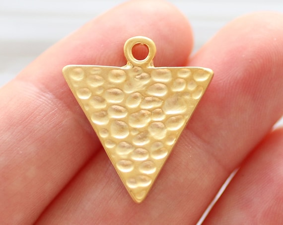 4pc gold triangle charm, triangle pendant, earring charms, geometric pendant, tribal pendant, earrings dangle, hammered pendant, spike gold