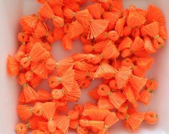 Silk Tassels/Feather/Pom