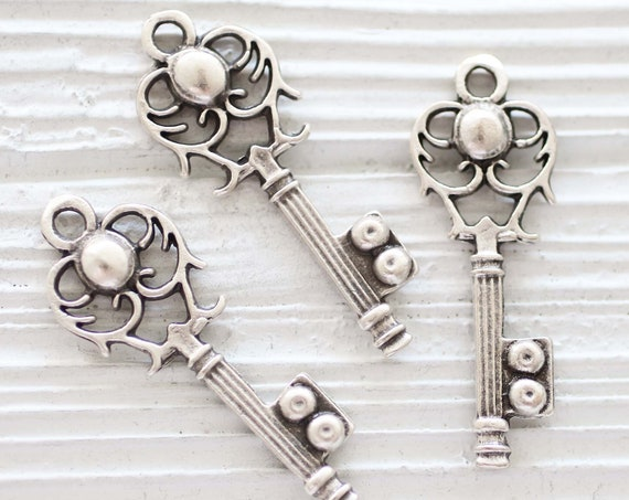 Key pendant silver, vintage look filigree key, key charm silver, earrings charm,  keychain charm, key findings, antique silver
