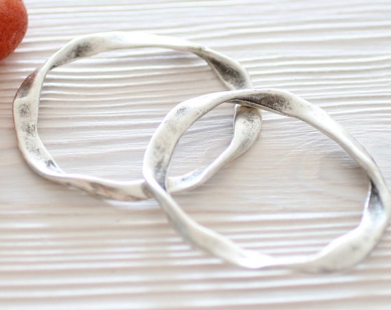 2pc large antique silver ring pendant, jewelry rings, necklace connectors, twisted ring pendants, thick rings, jewelry links, hoop pendant