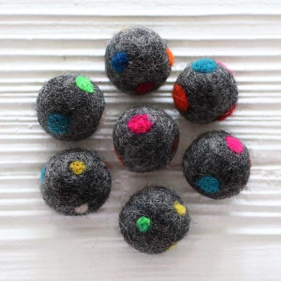 5pc felt pom poms, felt balls, gray polkadot felt poms, 27mm, garland pom poms, grey pom pom, pom poms for garland,DIY ball garland pom poms