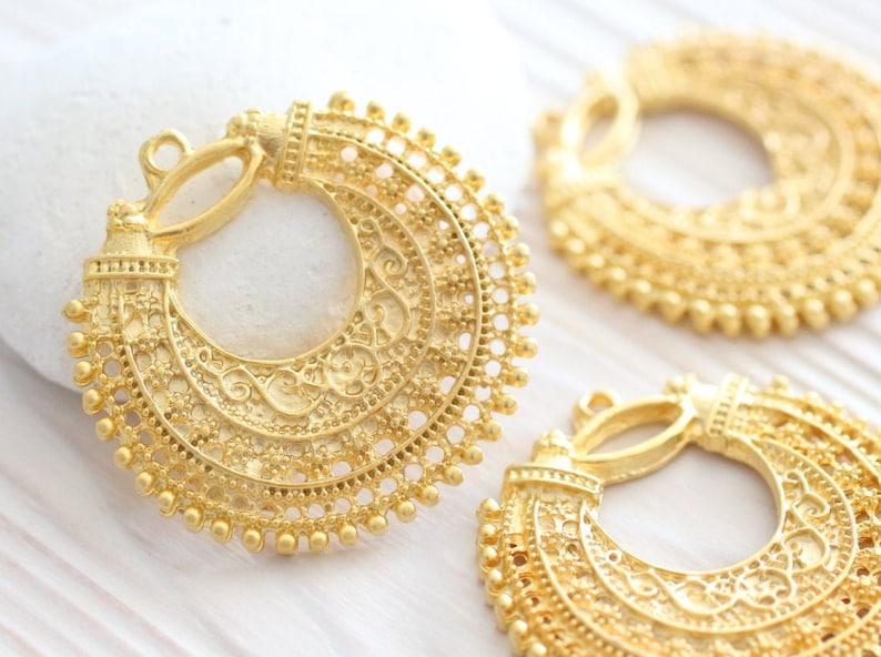 2pc filigree charm pendant matte gold chandelier earrings image 0