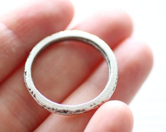 2pc hammered silver ring connector, thick rings, loop link connector, silver link, ring pendant, silver ring charms, round jewelry rings