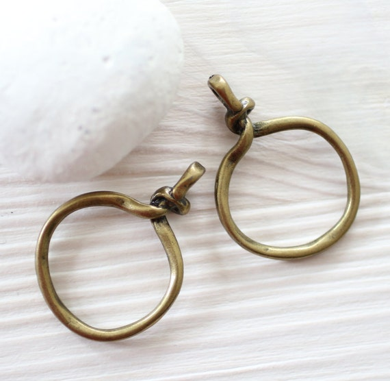 2pc antique gold ring pendant, knot charm, circle pendants, ring pendant, ring connector, antique gold, metal round pendant, knotted pendant