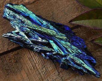 One Rainbow Aura Blue Green KYANITE Crystal - Rainbow Crystal, Angel Aura Crystal, Aqua Aura Crystal, Blue Kyanite Pendant E0322