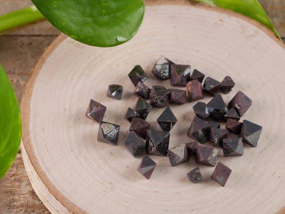Magnetite Octahedron Gridding Crystals  Mineral Specimen Raw Natural 5g
