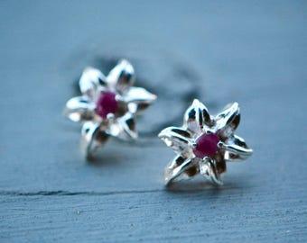 Ruby Earrings, Ruby Jewelry, Sterling Silver Ruby Stud Earring, Silver Ruby Earrings, Vintage Jewelry, Silver Stud Earrings, July Birthstone