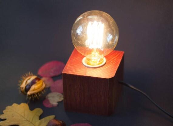 lampe bois de palette lampe edison lampe cube en bois etsy. Black Bedroom Furniture Sets. Home Design Ideas