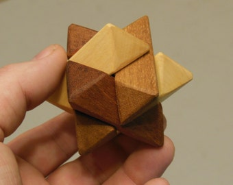 Tri-color Puzzle: Wooden Star (6 pieces)