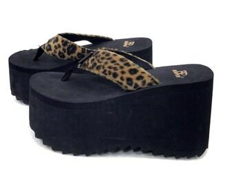 0e00d66308d 90s Vintage Platform Sandals